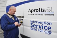 aprolis-service-technician-300x199_0